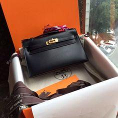 Hermès Black Box Calf Leather Mini Kelly Pochette Gold Hardware for sale at www.ccbellavita.eu