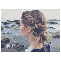 A Parade of Braids: 19 Fun Hairstyles To Wear All Season Long ❤ liked on Polyvore featuring hair, hairstyles, beauty, braid and icon pics