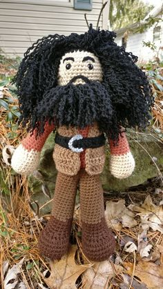 Crochet Amigurumi Dolls After making the trio I of course had to make Rubeus Hagrid for Norbert's picture! Since Hagrid is half giant, he is going to be basically double the height and width of the kids. So the kids end up… Harry Potter Scarf, Harry Potter Crochet, Amigurumi Doll, Amigurumi Patterns, Crochet Patterns, Crochet Stitches, Peluche Harry Potter, First Harry Potter Movie, Crochet Dolls