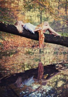 Best Photography Nature Fall Pictures Ideas More from my site When should I book my senior session? Autumn Photography, Creative Photography, Amazing Photography, Photography Tips, Portrait Photography, Digital Photography, Travel Photography, Photography Classes, Photography Hashtags
