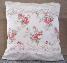 Shabby Chic home decor examples reference 2105661383 to get for a simply smashing, snug bedroom. Please stop by the shabby chic decor on a budget webpage right now for further hints. Camas Shabby Chic, Shabby Chic Mode, Style Shabby Chic, Shabby Chic Vintage, Shabby Chic Pillows, Chic Bedding, Shabby Chic Decor, Vanity Shabby Chic, Kitchen Wallpaper Shabby Chic