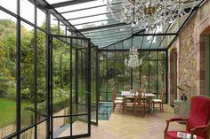 The veranda illuminates the interiors - Decoration tips - Interior Windows, Interior And Exterior, Glass House Garden, Orangerie Extension, Front Door Awning, Cottage Extension, Warehouse Design, Glass Extension, Courtyards