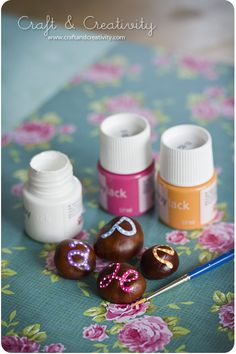 Hand painted chestnuts. Easy and fun to make. From Craft & Creativity.