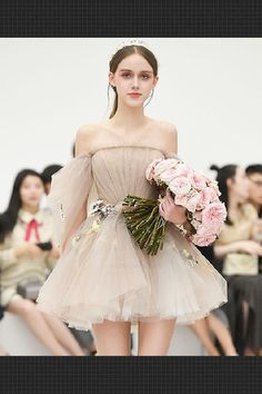 Cute champagne tulle short prom dress, champagne homecoming dress - Unique gray tulle lace short prom dress, gray evening dress Best Picture For outfits black For Yo - Champagne Homecoming Dresses, Short Graduation Dresses, Cute Prom Dresses, Dresses For Teens, Elegant Dresses, Pretty Dresses, Beautiful Dresses, Short Dresses, Bridesmaid Dresses