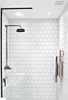 10 minute DIY: Ikea towel rail hack - DIY home decor - Your DIY Family ikea bathroom hack copper towel rail Ikea Hack Bathroom, Diy Bathroom Decor, Bathroom Interior Design, Budget Bathroom, Neutral Bathroom, Bathroom Plants, Bathroom Inspo, Bathroom Styling, Bathroom Designs