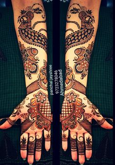 From modern to traditional, from simple to heavy, here are 25 latest bridal mehndi designs for 2019 for your wedding. Discover the top new mehndi trends! Latest Bridal Mehndi Designs, Modern Mehndi Designs, Wedding Mehndi Designs, Mehndi Design Pictures, Beautiful Mehndi Design, Arabic Mehndi Designs, Mehndi Designs For Hands, Henna Tattoo Designs, Mehndi Patterns