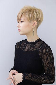 Long Hair Cut Short, Korean Short Hair, Short Hair Cuts For Women, Short Hair Styles, Straight Hairstyles, Cool Hairstyles, Edgy Hair, Dream Hair, Pixie Haircut