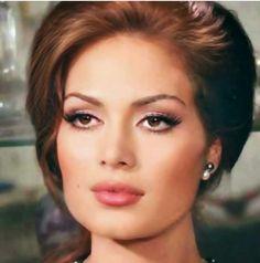 # Türkan Soray game game # green Source by ametistrubin Classic Beauty, Timeless Beauty, Pretty People, Beautiful People, Iranian Women Fashion, Celebrity Stars, Braut Make-up, Most Beautiful Faces, Turkish Beauty