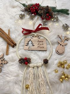 Wooden Christmas Ornaments, Christmas Decorations, Christmas Eve, Gifts, Presents, Noche Buena, Christmas Decor, Christmas Baubles, Gifs