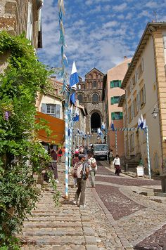 1000 images about camino le puy route a compostela on for Garage ad le puy en velay