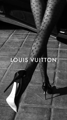 Boujee Aesthetic, Bad Girl Aesthetic, Aesthetic Vintage, Aesthetic Pictures, Aesthetic Bedroom, Black And White Picture Wall, Black N White, Black And White Pictures, B&w Wallpaper