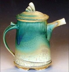 Beautiful tea pot...looks like been around and loved for a long time!