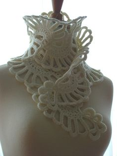So sculptural, all most more a statement choker than a scarf.