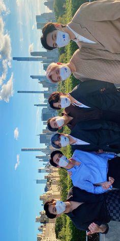 Bts Group Picture, Bts Group Photos, Namjoon, Bts Taehyung, Foto Bts, Theme Bts, Bts Boyfriend, Bts Beautiful, Bts Dancing