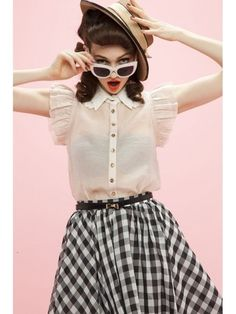 Shoulder frill collar blouse pink