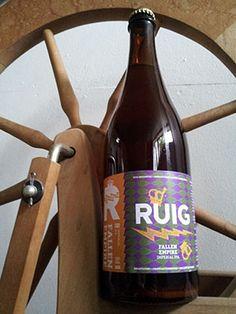 FALLEN EMPIRE | IMPERIAL IPA / Het lentebier van de RUIG brouwerij. Hop, hop en nog eens hop. De grote broer van onze blonde. Groter, sterker en gevaarlijker. De Fallen Empire bevat grote hoeveelheden Amerikaanse hop en heeft al menig koninkrijk eronder gekregen. Een complex bier met een hoge bitterheid en smaken van citrus, dennen en grapefruit. Dit bier is het eerste seizoensbier van de RUIG brouwerij en is voor het eerst verkrijgbaar op het Utrechtse Bierbrouwers Festival. Daarna is het…