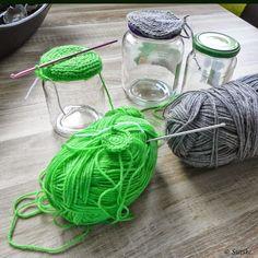 Crochet Home, Diy Crochet, Crochet Jar Covers, Crochet Projects, Sewing Projects, Diy Hooks, Bottle Cap Art, Crotchet Patterns, Tea Art