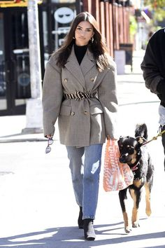 Emily Ratajkowski is wearing the best blazer-and-boots combinations right now. See her autumn-ready looks here. Paris Outfits, Winter Outfits, Fashion Outfits, Fashion Weeks, Emily Ratajkowski Outfits, Emily Ratajkowski Street Style, Celebrity Outfits, Celebrity Style, Instagram Feed