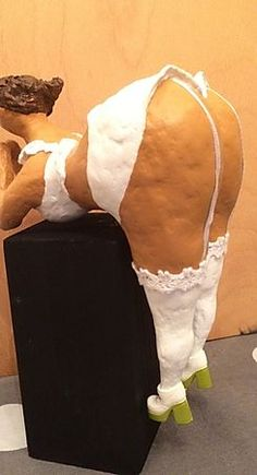 Paper Clay, Funny Tattoos Fails, Plus Size Art, Clay Art Projects, Fat Art, Paper Mache Sculpture, Curvy Girl Outfits, Polymer Clay Figures, Fat Women
