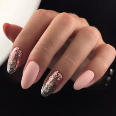 Oval nails are one of the most classical nail shapes. Oval nails are quite popular in today's fashion world. Various color combinations play an important role in elliptical nail design, making them look more colorful. In recent years, matte nail art Nail Swag, Glitter Gel Nails, Acrylic Nails, Pretty Nail Designs, Nail Art Designs, Gel Nail Tips, Matte Nail Art, Nail Design Video, Manicure Y Pedicure
