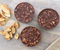 Want a healthy homemade chocolate treat? Then YOU HAVE to try these Toasted Peanut and Coconut Cups. Recipe here: