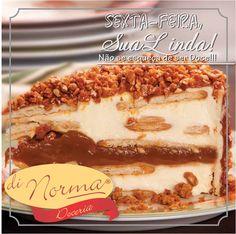 Pavê Doce de Leite Crocante: Leve creme de baunilha intercalado com biscoito tipo Maria e com o melhor doce de leite do mundo. Cobertura de crocantes de castanha de caju com doce de leite. #DiNorma #love #PavêCrocante #cake