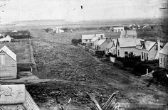 Bill ✔️ The first city streets were little more than dirt tracks, which were boggy in winter and dusty in summer. This is Armagh Street, Christchurch, in 1860. The street's width is defined by the fences in front of houses. Ruts created by carriage wheels are visible along the street's centre. In the distance is Riccarton Bush, a remnant of forest that still survives.     Bill Gibson-Patmore.  (curation & caption: @BillGP). Bill😄✔️