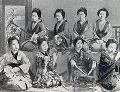 We previously presented photos once used to promote tourism to Japan over 100 years ago. Now we'd like to show even more glimpses of life in Japan during that time. These photos show people a…