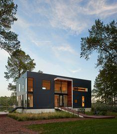 Gallery of House on Solitude Creek / Robert Gurney Architect - 1