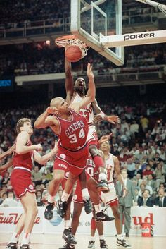 The GOAT smashes one down on Chuck in Chicago.