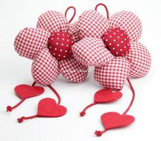 Cloth Flowers, Paper Flowers Diy, Handmade Flowers, Felt Flowers, Flower Crafts, Fabric Flowers, Small Sewing Projects, Baby Sewing Projects, Sewing Crafts