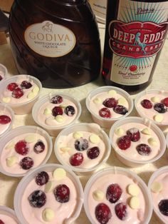 Cranberry White Chocolate Pudding Shots Cranberry White Chocolate Pudding Shots,Pudding shots Pretty, festive looking, AND delicious! Ingredients: 1 package of sugar free white chocolate pudding c cranberry vodka c white chocolate liqueur. Pudding Shot Recipes, Jello Pudding Shots, Jello Shot Recipes, Alcohol Drink Recipes, Sugar Free White Chocolate, White Chocolate Liqueur, Desserts In Shot Glasses, Alcoholic Desserts, Cocktail Desserts