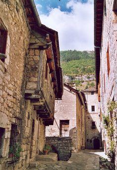 Une ruelle à Sainte Enimie-Lozère-France