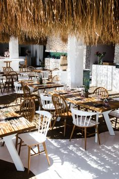 Monarch all day bar restaurant in MYKONOS island - Greece | SISSY FEIDA…