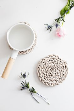 Beautiful DIY Finger Knit Rope Trivet Tutorial! Perfect easy Mothers Day gift…