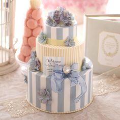 ウェルカムボード カルトナージュ Wedding Gifts, Wedding Cakes, Wedding Planer, Fake Cake, Sugar Craft, Gorgeous Cakes, Baby Party, Birthday Photos, Flower Making