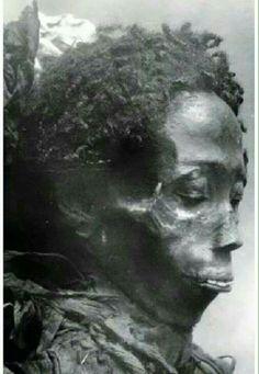 4,000 year old mummie