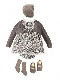 Baby clothes should be selected according to what? How to wash baby clothes? What should be considered when choosing baby clothes in shopping? Baby clothes should be selected according to … Little Girl Fashion, Toddler Fashion, Kids Fashion, Fashion Outfits, Fashion Clothes, Fashion Ideas, Vintage Kids Clothes, Baby Kids Clothes, Vintage Children