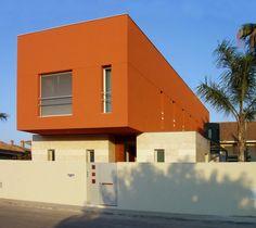 Casa B-01 en Puerto de Sagunto, realizada por José Luis Sáez Martínez y Francisco Vigueras Marín-Baldo.