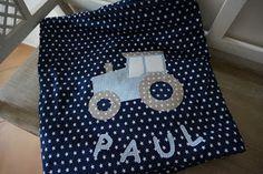 PedisHandmade,  Decke mit Traktorapplikation