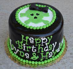 Girly skull cake