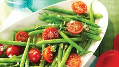 Green Bean & Tomato Salad lb green beans, ends trimmed 1 cup cherry or grape tomatoes, halved 1 small shallot, minced cup coarsely chopped fresh Basil 3 tbsp olive oil 1 tbsp Red Wine Vinegar tsp each salt and pepper Cherry Tomato Salad, Cherry Tomatoes, Scd Recipes, Healthy Recipes, Clean Eating, Healthy Eating, Healthy Food, Green Beans And Tomatoes, Vegetable Recipes