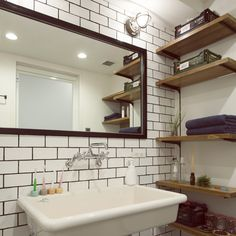 Pin on 洗面所 Room Interior Design, Interior Design Inspiration, Black White Bathrooms, Timber House, Industrial House, Shower Faucet, Washroom, Colorful Interiors, Home Furniture