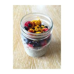 Workout and healthy breakfastpudding Chia #coconutmilk #fruit #curcuma #fat #healthyplanbyann #annalewandowska