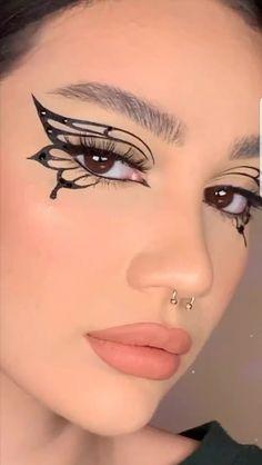 Doe Eye Makeup, Dope Makeup, Edgy Makeup, Makeup Eye Looks, Gothic Makeup, Crazy Makeup, Beauty Makeup, Creative Eye Makeup, Makeup Makeover