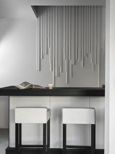 Dekorlister i ulike lengder og profil for et unikt design. Interior Exterior, Table, Furniture, Designers, Home Decor, Moldings, Top Coat, Wall, Crown Moldings