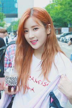 The Most Beautiful Girl, Beautiful Asian Girls, Apink Naeun, Girl Group, Kpop, Celebrities, Hair Styles, Pretty, Park