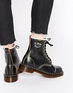 Dr Martens Archive Black Vintage Leather Capper Boots cfe34a4b1f4