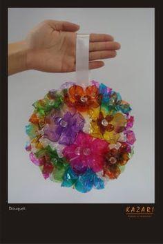 Bola feita com flores de PET  -  KAZARI ATELIER & INTERIORES: Novembro 2009