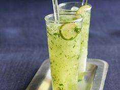 Minz-Limetten-Limo ist ein Rezept mit frischen Zutaten aus der Kategorie Südfrucht. Probieren Sie dieses und weitere Rezepte von EAT SMARTER!